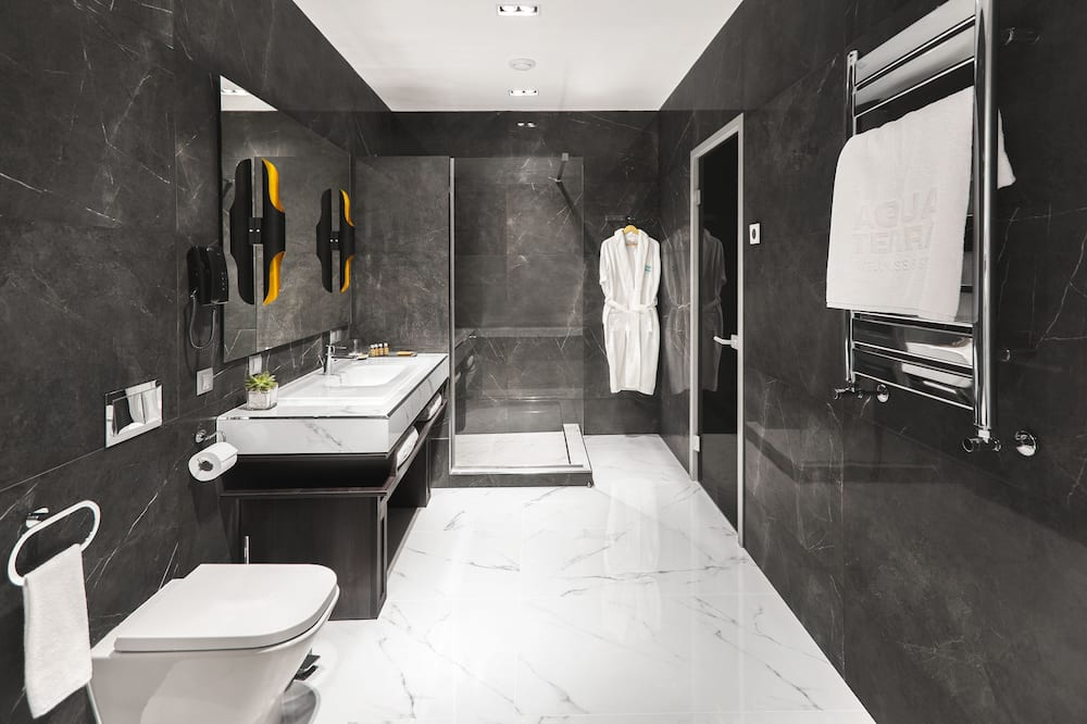 Exclusive Apartment, 1 King Bed - Bathroom