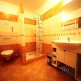 Phòng 2 giường đơn tiện nghi đơn giản, Quang cảnh vườn - Phòng tắm
