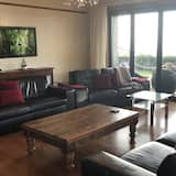 House, Multiple Beds, Beach View (Tata Tides Retreat) - Living Area