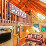 Family Cabin, Multiple Beds, Non Smoking - Living Room