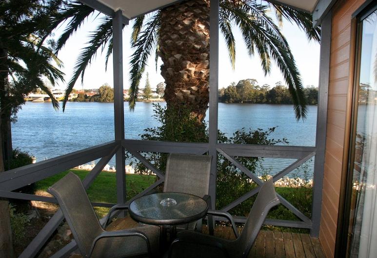 Ingenia Holidays Moruya, Moruya, Biệt thự Executive, Nhiều giường, Quang cảnh sông, Sân thượng/sân hiên