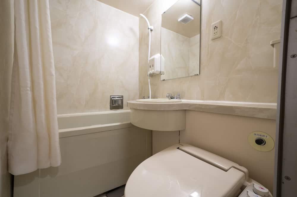 客房 (Semi Double) - 浴室