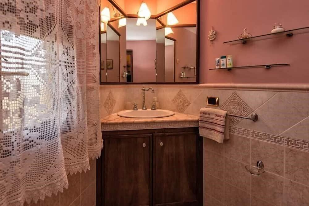 Kahden hengen huone, Oma kylpyhuone (External) - Kylpyhuone
