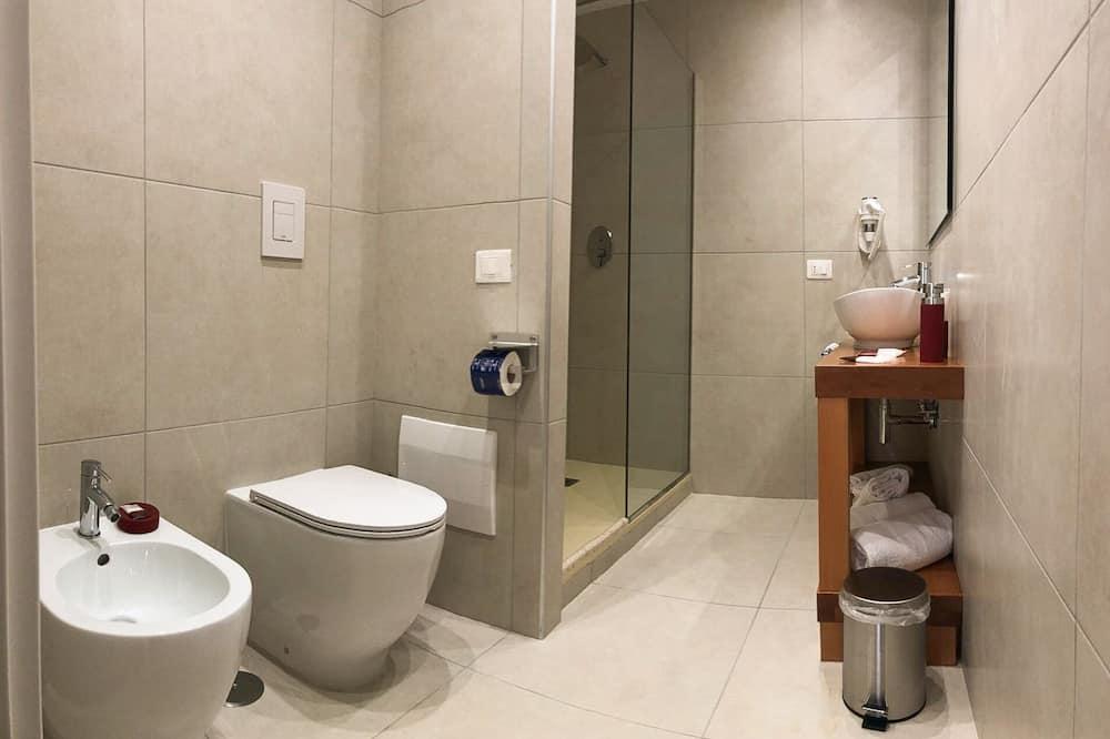 Design Quadruple Room, Kitchenette - Bathroom