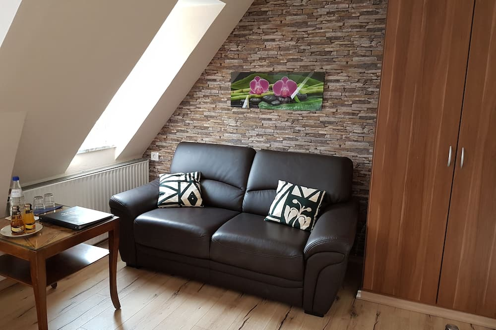 Family Room - Imej Utama