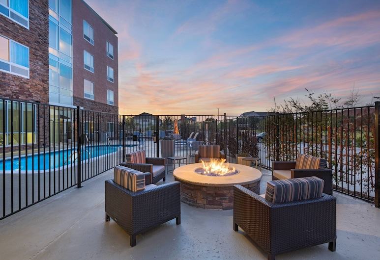 TownePlace Suites by Marriott Dallas DFW Airport North/Irving, Irving, Terrasse/Patio