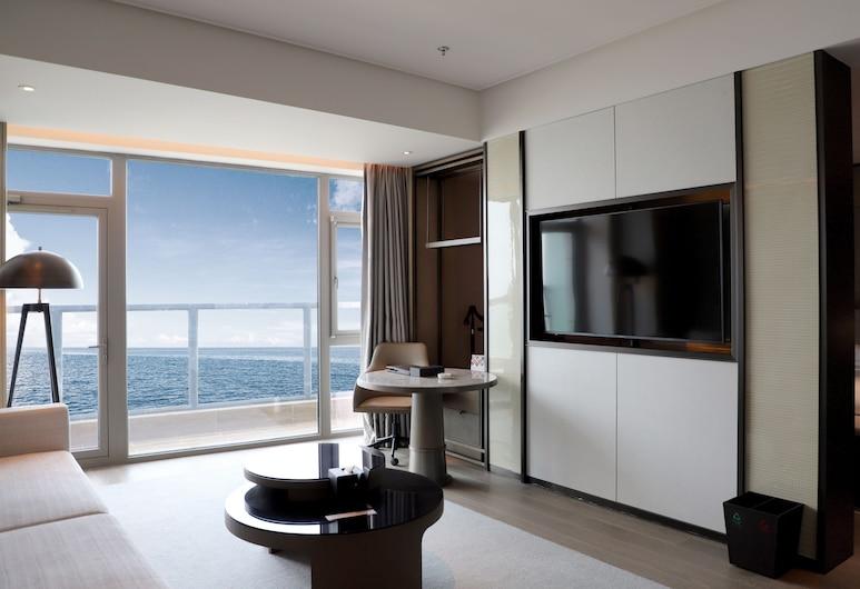 Yantai Marriott Hotel, יאנטאי, סוויטת ג'וניור, מיטת קינג, ללא עישון, אזור מגורים