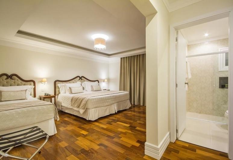 Hotel Estoril , Campos do Jordao