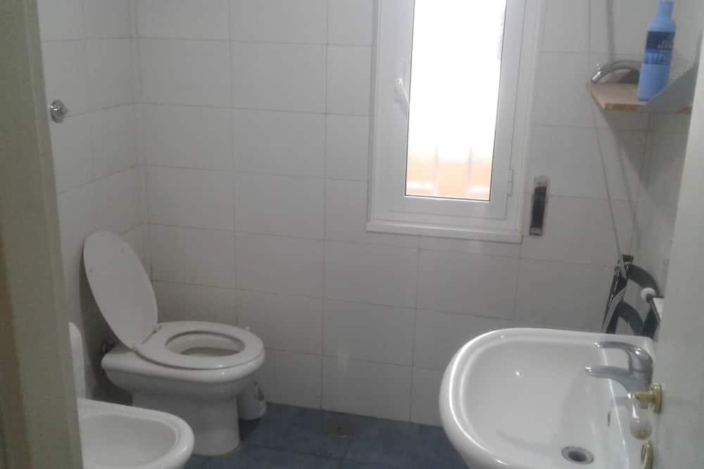 家庭獨棟房屋 - 浴室