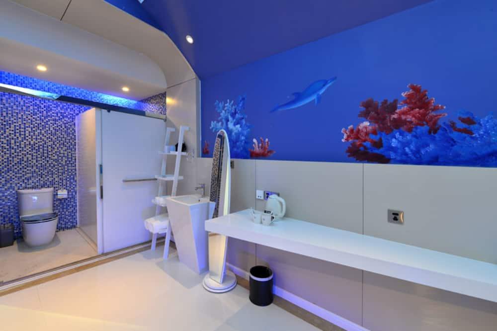 Luxury Double Room with Round Bed - Bathroom