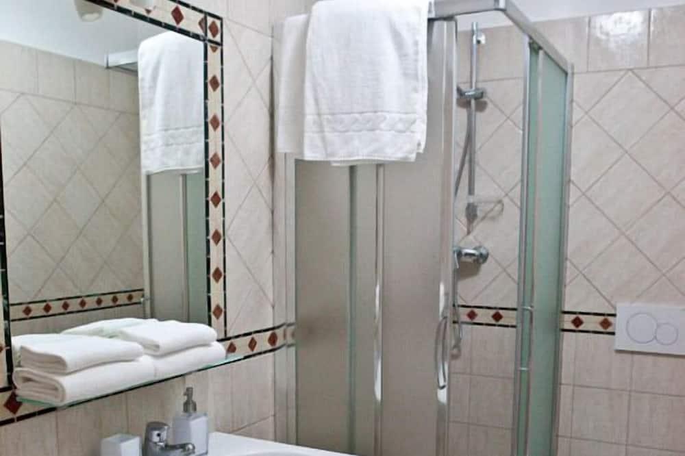 尊榮四人房 - 浴室