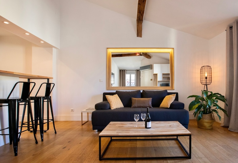 Home Chic Home - Cosy Historical Center - Corum, Montpellier, Appartement, Coin séjour