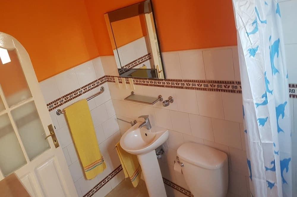 Chambre Triple Confort, plusieurs lits, non-fumeurs, vue ville - Salle de bain