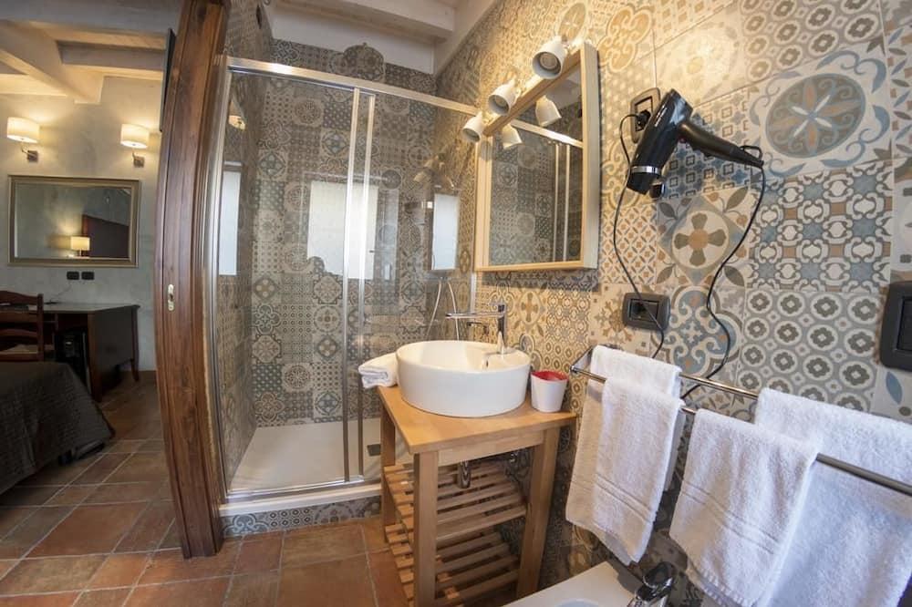 Четырехместный номер «Комфорт» - Ванная комната