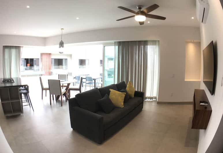 Pavilion Two Bedroom - Adults Only, Пуэрто-Вальярта, Квартира «люкс», 1 двуспальная кровать «Кинг-сайз», для некурящих, вид на город, Зона гостиной