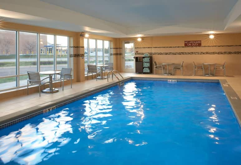 TownePlace Suites by Marriott Grand Rapids Airport, Grand Rapids, Indoor Pool