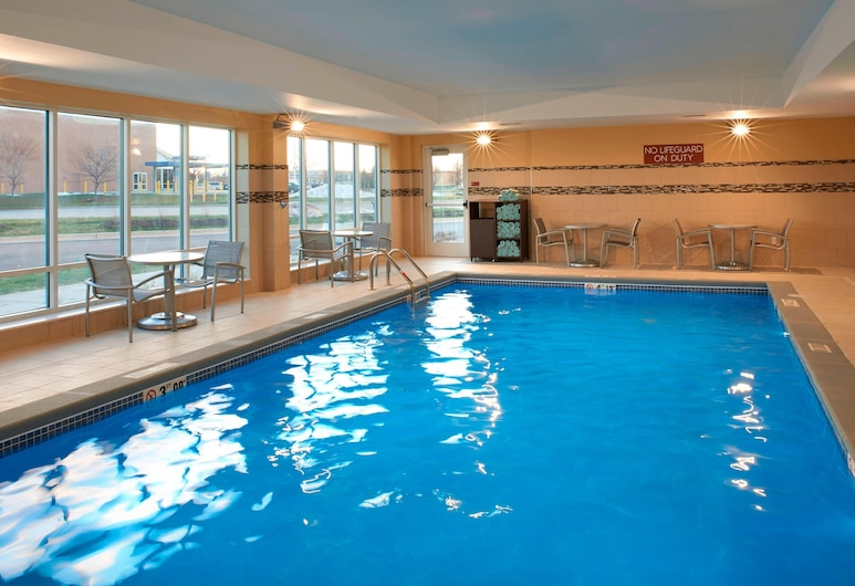 TownePlace Suites by Marriott Grand Rapids Airport, Grand Rapids, Piscine