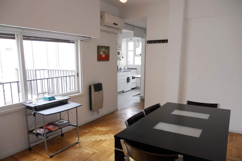 Basic Apartment, 1 Double Bed with Sofa bed, Non Smoking - In-Room Dining