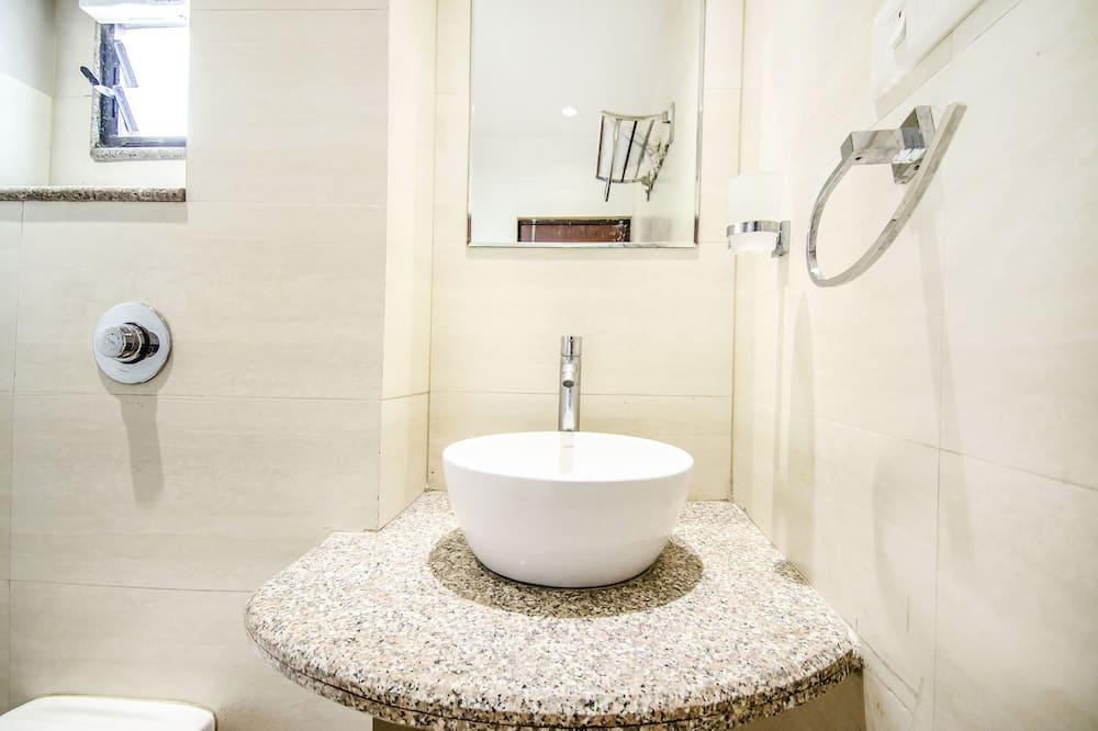 行政客房, 1 張加大雙人床, 非吸煙房, 城市景觀 - 浴室