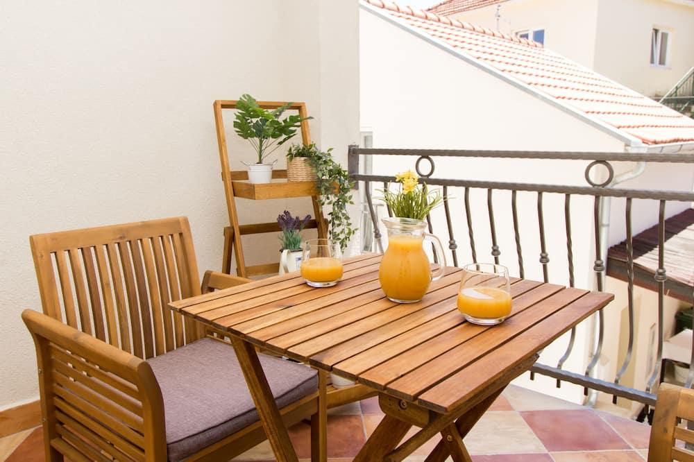 Superior Studio, Balcony, Park View - Balcony
