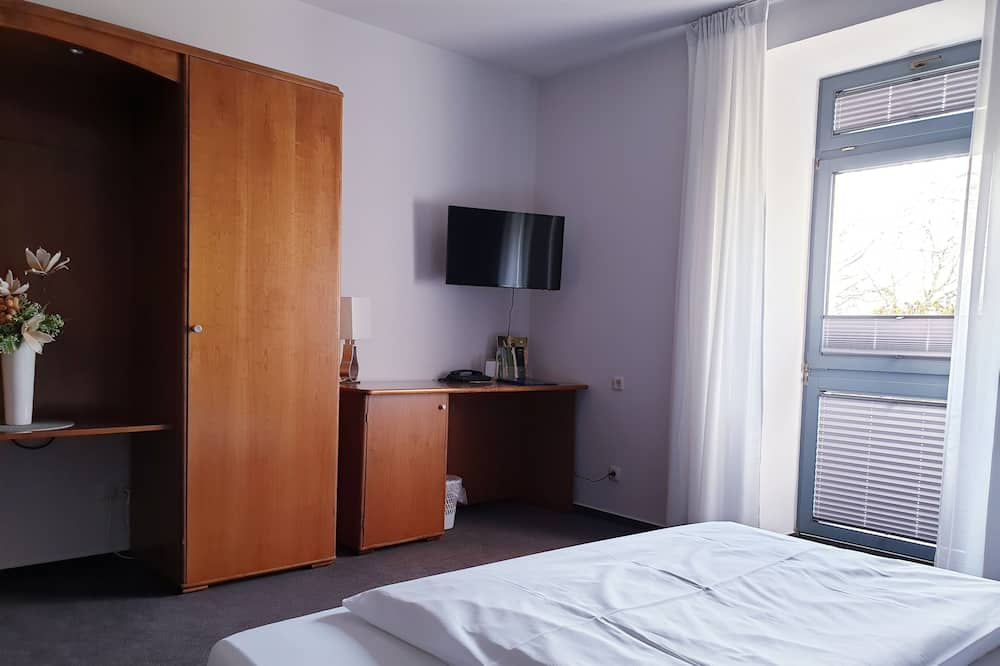 Single Room, 1 Large Single Bed, Non Smoking - Living Area