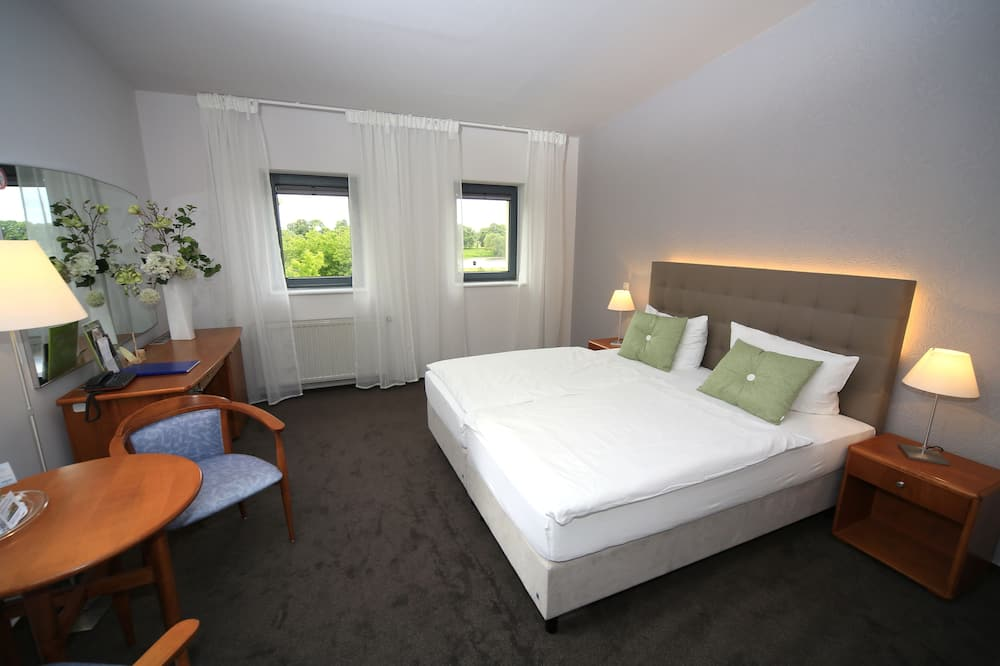 Double Room, 1 King Bed, Non Smoking - Living Area