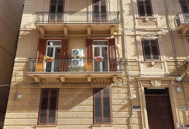 Bed & Breakfast Aziz, Palermo, Otelin Önü