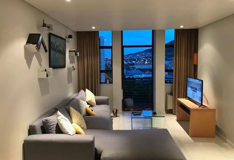 1 Bedroom Apartment in City Centre, Cape Town