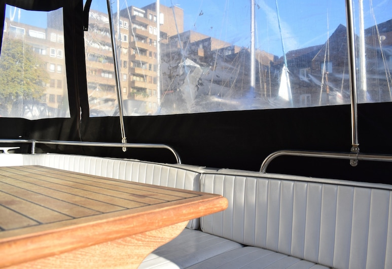 1 Bedroom Princess Live-aboard Boat, London, Wohnbereich