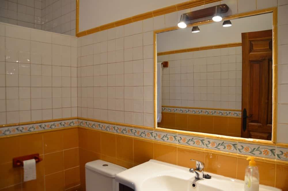 Δίκλινο Δωμάτιο (Double), Ιδιωτικό Μπάνιο - Μπάνιο