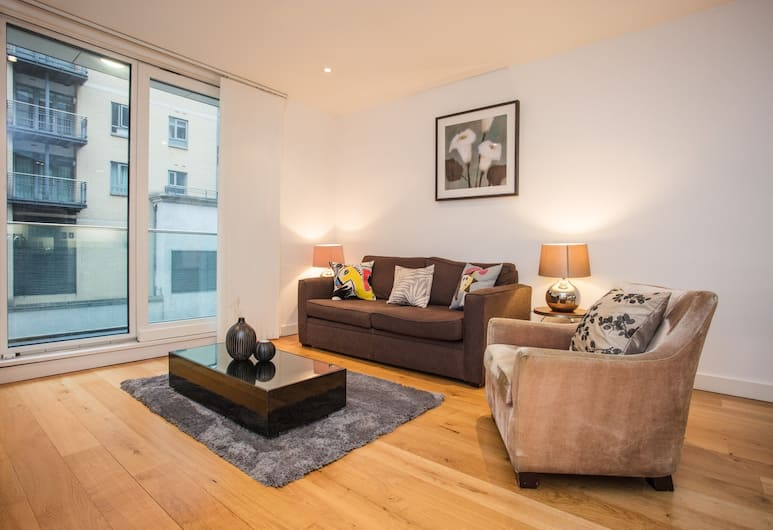 2 Bedroom Apartment Near Victoria Station, London