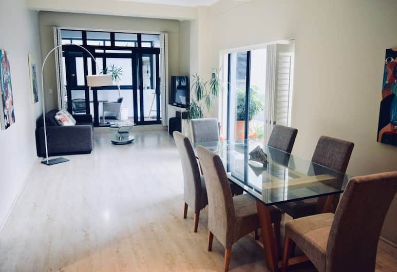 2 Bedroom Apartment in Cape Town City Centre, Cape Town, In-Room Dining