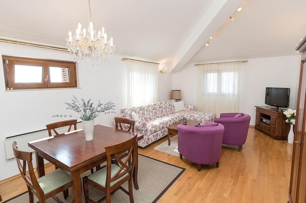 Basic Apart Daire, 2 Yatak Odası - Odada Yemek Servisi