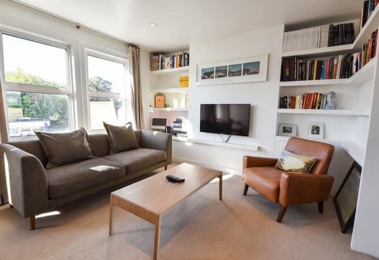 2 Bedroom Apartment in Vauxhall, London