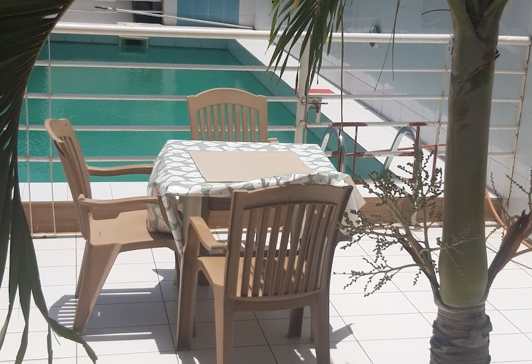 PNS 赫伯法特酒店, 達卡, 室外泳池