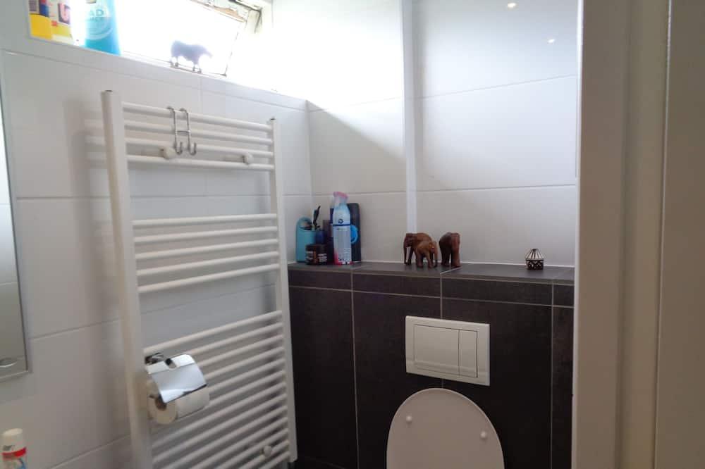 Phòng, Phòng tắm dùng chung - Phòng tắm