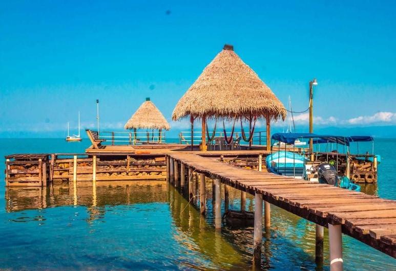 Denny's Beach Resort Hotel, Mariscos, Stravovanie vonku