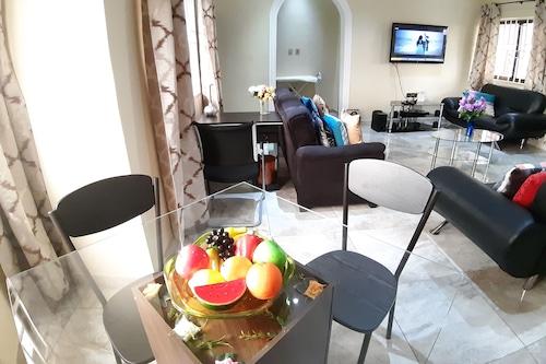 寶石款待飯店/