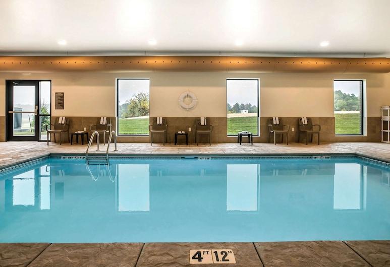 Comfort Inn & Suites near ISU Campus, Ames, Alberca cubierta