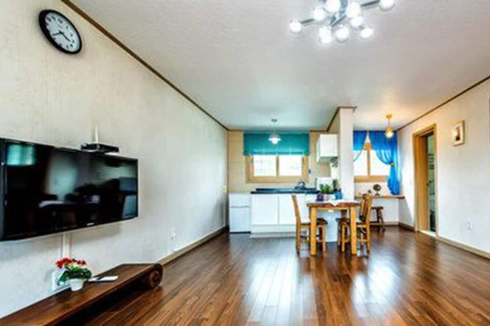 Phòng Suite cơ bản - Khu phòng khách