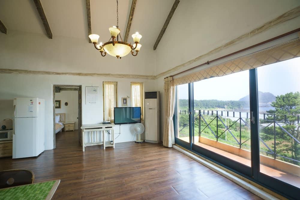 Phòng Premium (Evergreen Room) - Khu phòng khách