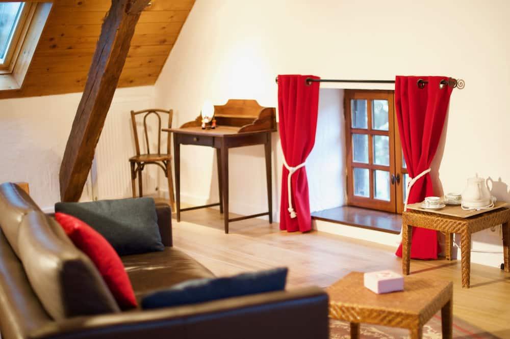 Comfort Suite - Living Area
