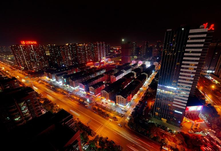 Xingsha Huatian Grand Hotel, Changsha, Hotelfassade am Abend/bei Nacht