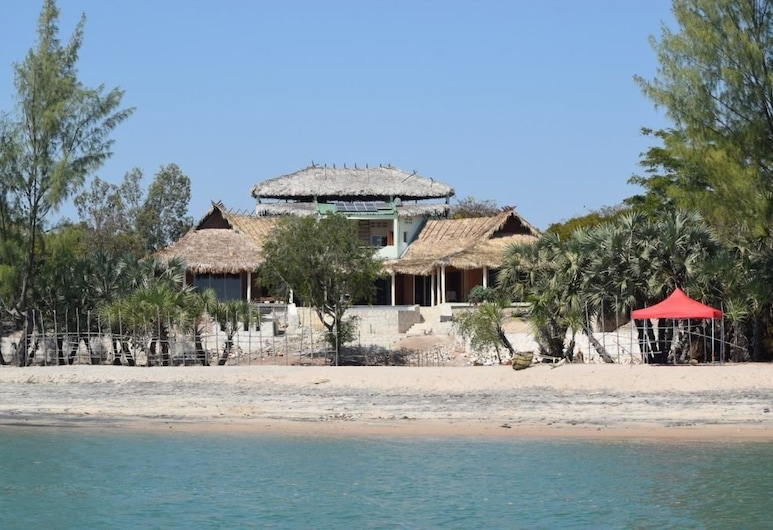 Le Domaine du Mandravasarotra, Mahajanga, Pantai
