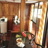 Family Room, Multiple Beds, Non Smoking - In-Room Dining