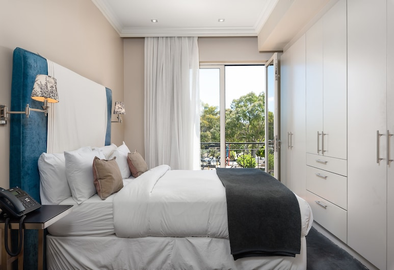 Cape Royale 207, Cape Town, Luxury Apartment, 2 Bedrooms, City View, Room