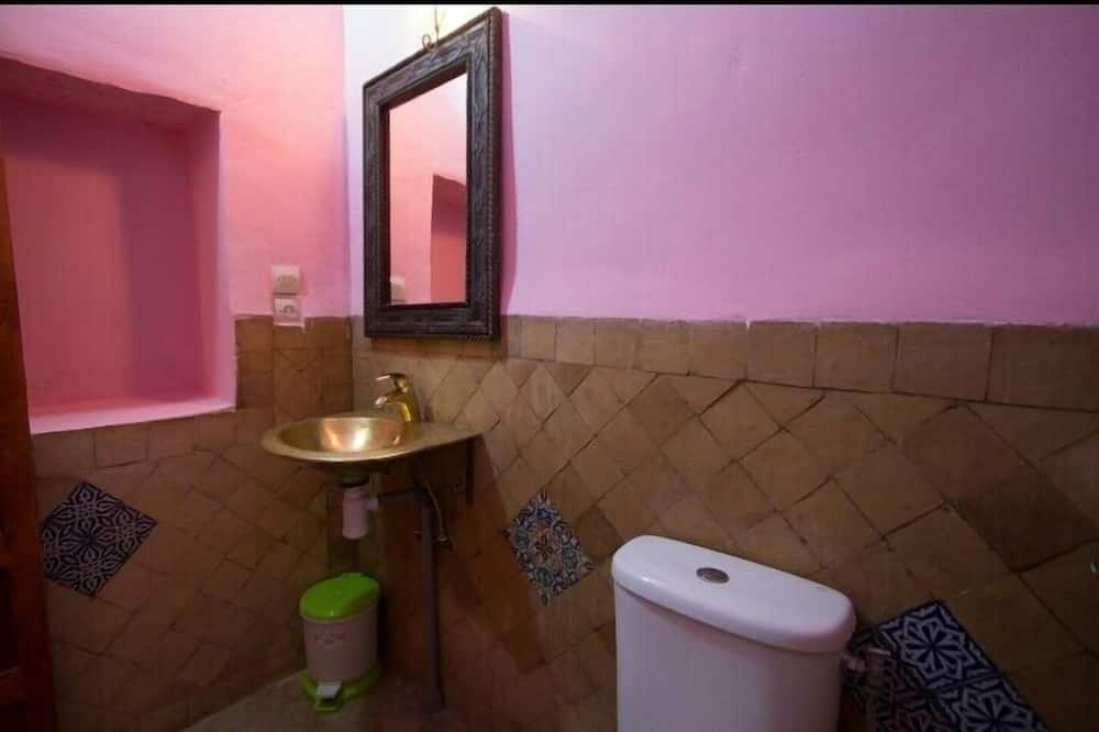 Deluxe Double Room, 1 Queen Bed, Non Smoking - Bathroom