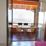 2 bed Apartment Near Stresa, Short Walk to Lakeside, Lake Views