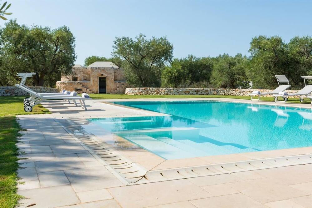 Luxury Villa in Puglia With Swimming Pool. BBQ