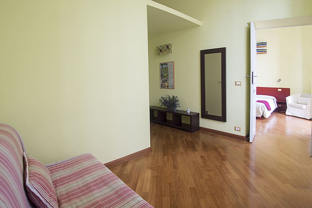 Deluxe Double or Twin Room, Balcony - Living Area